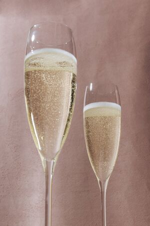 Valdobbiadene Prosecco flutes, in pop contemporary style. Pink romantic background Imagens