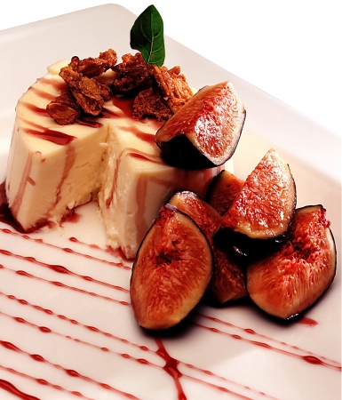 Cheesecake with fig