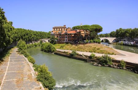 Isola Tiberina sul fiume Tevere, Roma Italia
