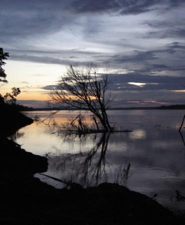 rio amazonas: Puesta del sol del r�o Amazonas
