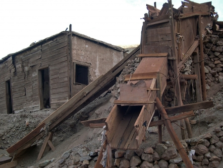 tierra: Old silver mine in Tierra Amarilla, Chile