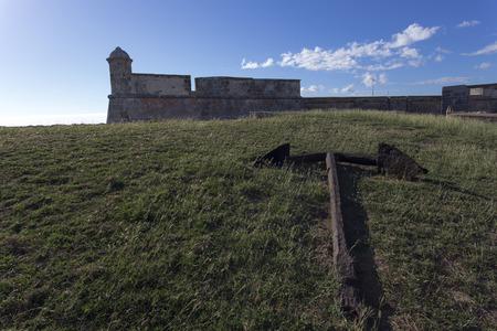 ordenanza: Castillo de San Pedro de la Roca del Morro, Santiago de Cuba, Cuba Editorial