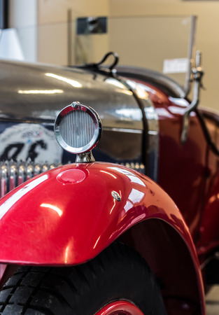 splendor: the splendor of the beautiful chrome of vintage cars