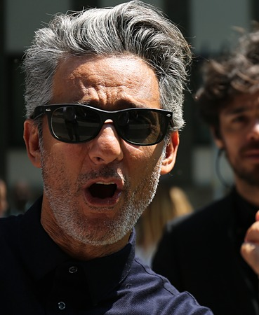 ミラノ-2017 年 6 月 17 日ミラノ ・ ファッション ・ ウィーク中に路上ロザリオ フィオレロ