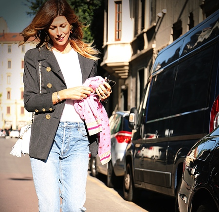 milánó: MILAN- 20 September 2017 Alessandra Grillo on the street during the Milan Fashion Week Sajtókép