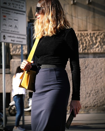 밀라노 -2010 년 9 월 20 일 밀라노 패션 위 크 동안 거리에 Candela Pelizza