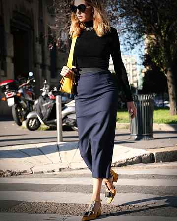 milánó: MILAN- 20 September 2017 Candela Pelizza on the street during the Milan Fashion Week