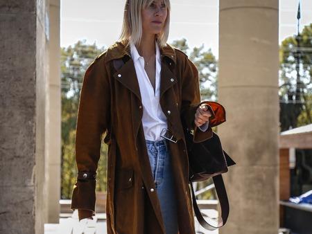 PARIS, France- September 26 2018: Linda Tol on the street during the Paris Fashion Week. Sajtókép