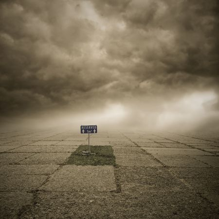 tomb empty: to be at the death door Stock Photo