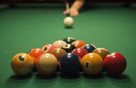 Einsatzzeichen: Der Beginn der Partie Billard (Billard). Folge der Pool Spiel