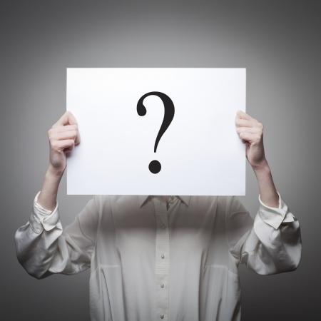 suspens: Femme ayant pas de r�ponse � une question Banque d'images