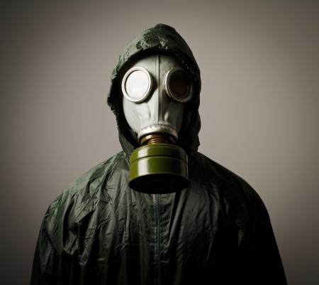 El hombre llevaba una máscara de gas en la cara Foto de archivo - 20295779