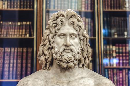 Antike Bibliothek Zeus Standard-Bild - 29280942