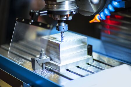 operator make automotive parts by cnc lathe and cnc grinding process