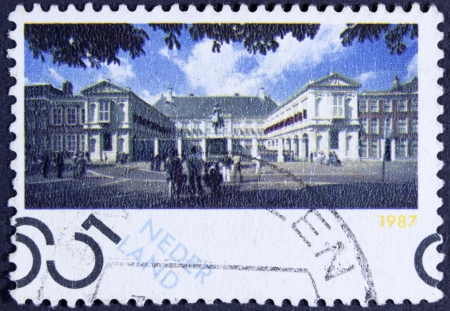 beatrix: NETHERLANDS - CIRCA 1987  A stamp printed in Netherlands shows Noordeinde Palace, Working Palace for Queen Beatrix, Hague, circa 1987  Editorial