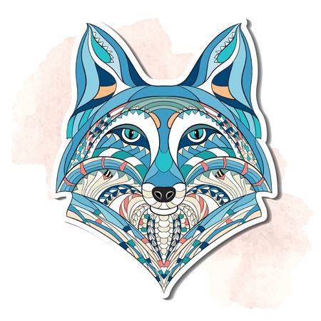 tribales: Cabeza del zorro con dibujos en el fondo del grunge. Diseño del tatuaje del tótem indio africano. Puede ser utilizado para el diseño de una camiseta, bolso, tarjeta postal, un cartel y así sucesivamente.