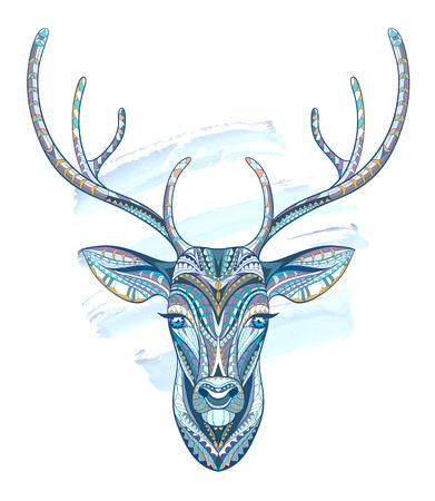 totem indiano: Patterned testa di cervo su sfondo acquerello. Africano  disegno  totem  tatuaggio indiano. Pu� essere usato per la progettazione di una maglietta, sacchetto, cartolina, un poster e cos� via.