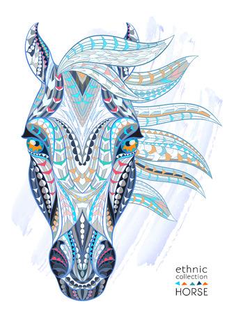 Cabeza modelada del caballo en el fondo del grunge. Diseño / totem / tatuaje de África / India. Puede ser utilizado para el diseño de una camiseta, bolso, tarjeta postal, un cartel y así sucesivamente. Foto de archivo - 44184334