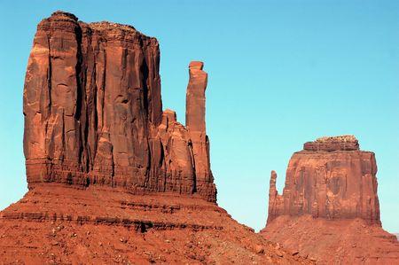 mitten shaped buttes in desert southwest