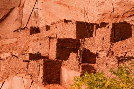 dwelling: betatakin cliff dwelling