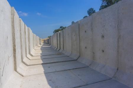 drenaggio: Drenaggio cemento accatastati