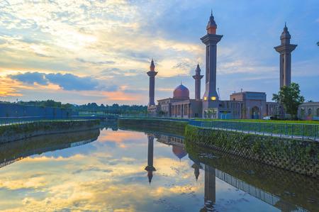 alam: Reflection sunset of Masjid Tengku Ampuan Jemaah