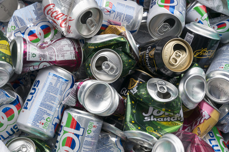 crushed aluminum cans: A stack of aluminum can for recycle