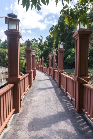 pedestrian bridges: Bridge walkway