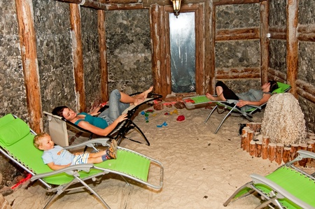 salt cave intended for the inhalation and the rehabilitation of the upper respiratory tract for children and adults