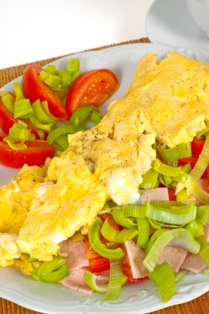 healthily: Omelet with vegetables for breakfast