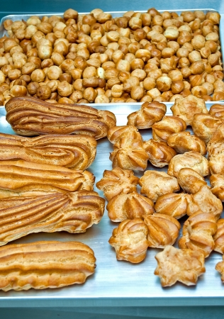 Choux pastry cakes cooked in pastry