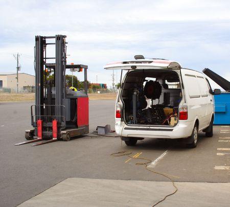 crane parts: Forklift repair van