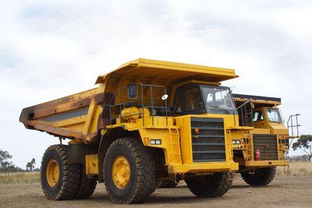 camion volquete: Gigante amarillo cami�n volquete
