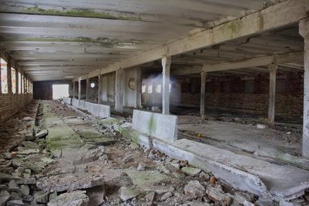 edificio industrial: edificio industrial abandonado