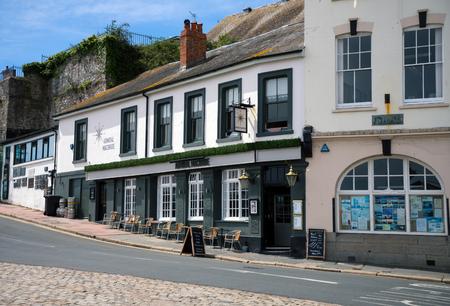 Admiral Macbride pub in Plymouth, The Barbican, Devon, United Kingdom, May 23 2018 新聞圖片