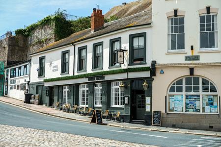 Admiral Macbride pub in Plymouth, The Barbican, Devon, United Kingdom, May 3 2018 新聞圖片