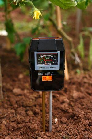 Soil meter, tester for measuring PH, light and moisture at field