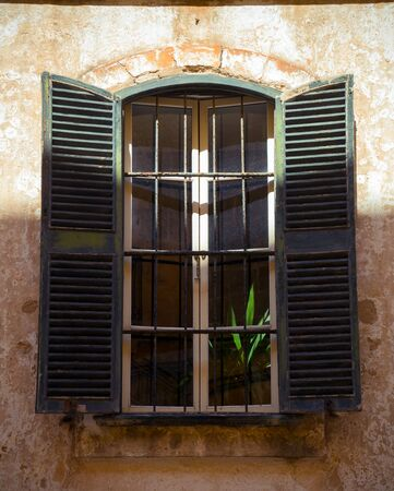 antique old wooden window shutters as background 스톡 콘텐츠 - 139191278
