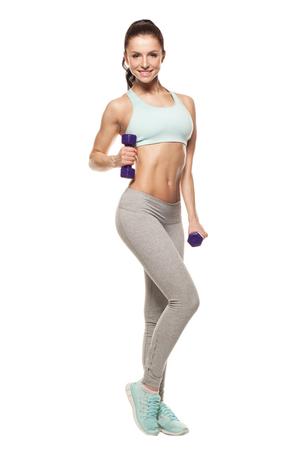 sportliche Frau tun ihr Training mit Hanteln, isoliert auf weißem Hintergrund
