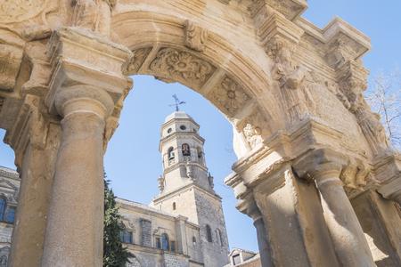 処女、サンタ・マリア ・噴水、バエサ、ハエン、スペインの被昇天大聖堂 写真素材