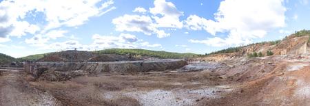 Vestiges des anciennes mines de Riotinto à Huelva (Espagne), vue panoramique