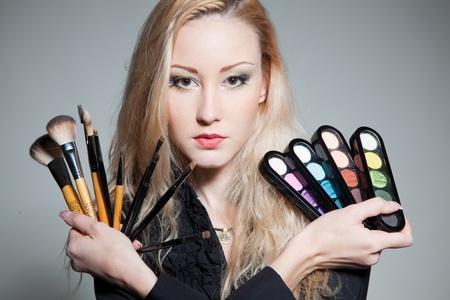 nice girl: Nice girl with cosmetics;