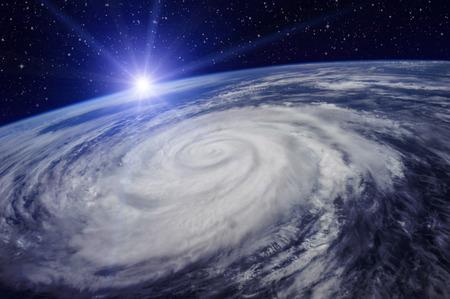 Reuze cyclone op de planeet Aarde als gevolg van de opwarming van de aarde die een toename van de temperatuur en regenval zal veroorzaken. Elementen van deze afbeelding ingericht door NASA