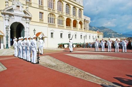Changing of the guard, grimaldi palace monaco