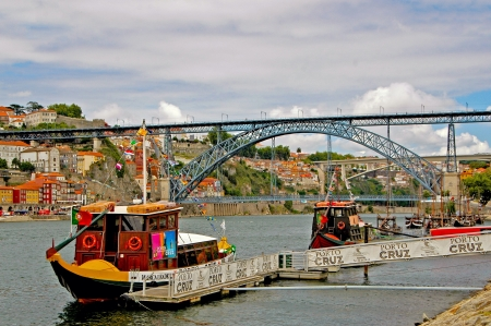 rabelo: Overlooking the historic center of Porto by the construction of the iron-Bogenbruecke Dom Luis, which connects the two districts of Porto and Vila Nova de Gaia