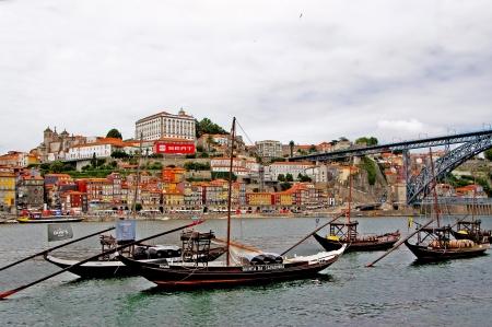 rabelo: Overlooking the quay of Vila Nova de Gaia, Porto Editorial
