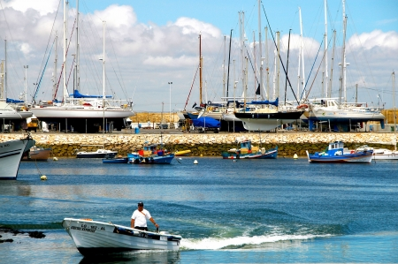 hardly: The old fishing place Lagos lies in the western segment, the Algarve coast also called Felsalgarve and is hardly to be outbid by his tourist attraction