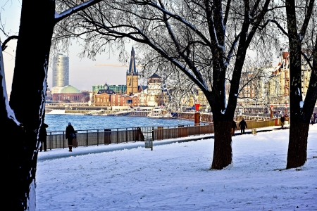 rhine westphalia: From the Old Town Duesseldorf has grown, and it has remained at the heart of the state capital. Whoever comes to Dusseldorf lands, very soon in this great little half a square kilometer area, with its narrow streets and many restaurants. For visitors, the