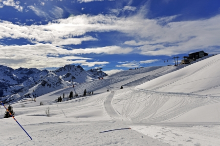 Snow without borders  Mother Nature is sweeping the Alps on Fellhorn all winter for total-white slopes  Stock Photo