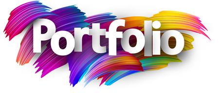Portfolio-Poster mit Spektrum-Pinselstrichen auf weißem Hintergrund. Bunte Farbverlauf-Pinsel-Design. Vektorpapierillustration.